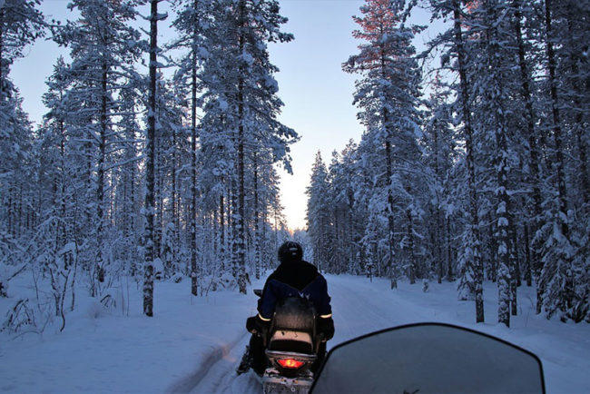 What Causes Snowmobile Darting? (How to Fix)