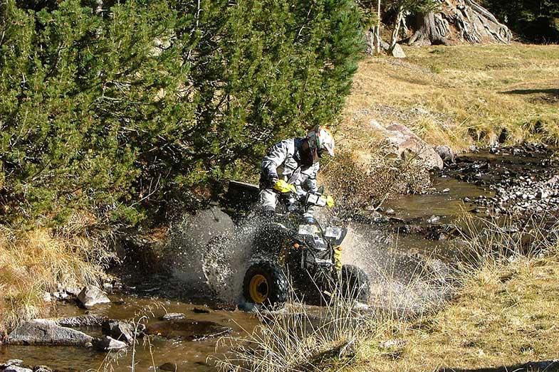 Polaris Scrambler 4x4 Off-Road Creek Water