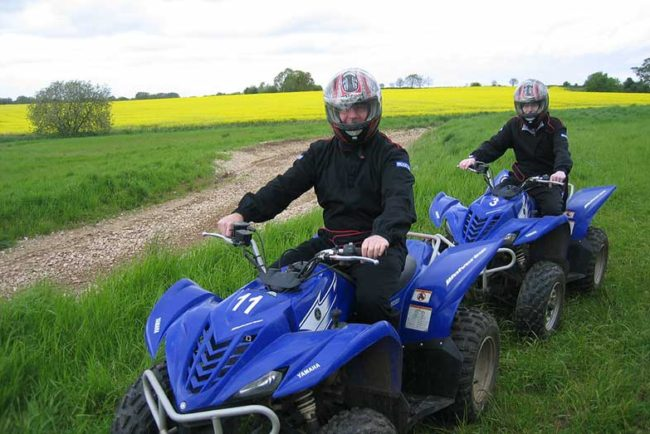 Yamaha Wolverine 350 4×4 – Review and Specs