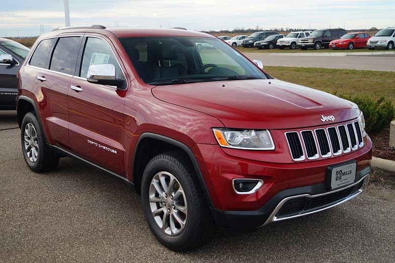 Red 2015 Jeep Grand Cherokee