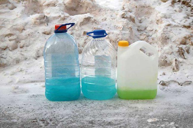DIY Windshield Washer Fluid: 7 Homemade Alternatives