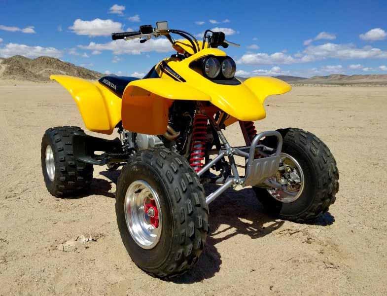 Yellow 2004 Honda 400EX Sportrax ATV